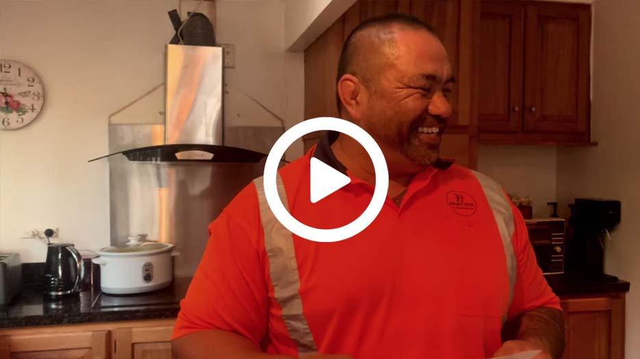 MATES in Construction NZ | COVID-19 Support for Construction | Cooking with Slade
